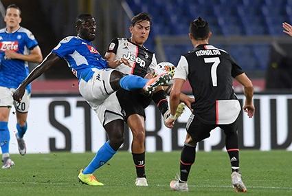 Piłkarze Juventusu i Napoli