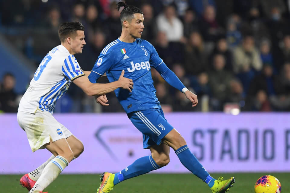 Arkadiusz Reca w walce z Cristiano Ronaldo